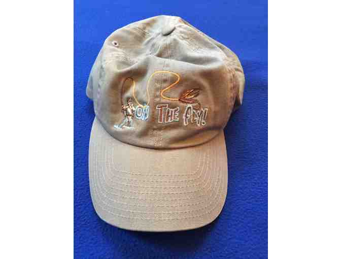 Fly fishing Apparel - Includes a Vest T-Shirt and Hat - Photo 7