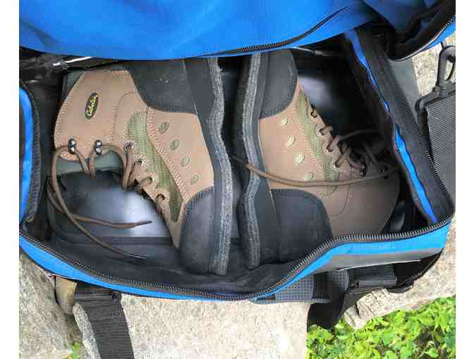 Cabela's Felt Soled Size 7 Wading Boots and Royal Blue Gear Bag