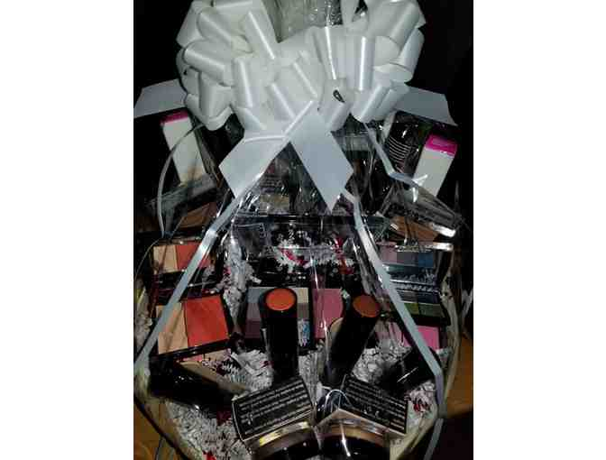 Mary Kay Full Color Basket
