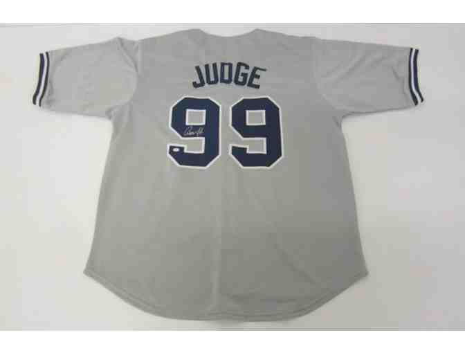 Aaron Judge Autographed Yankees Jersey