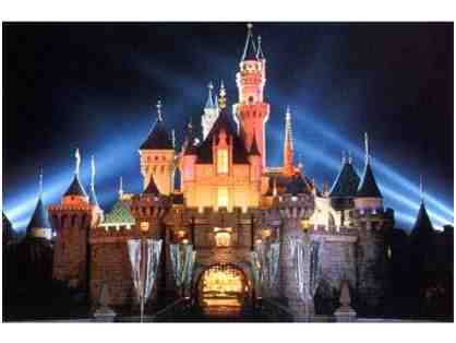 Disneyland | Four Complimentary 1-Day Park Hopper Tickets