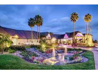 1 Night Stay at Hilton San Diego Del Mar + 2 tickets to the races