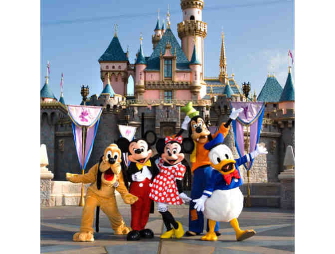 4 Park Hopper Tickets to Disneyland Resort