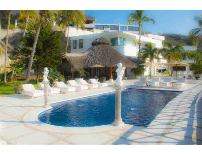 Unforgettable Vacation at Casa Heavenly in Acapulco, Mexico