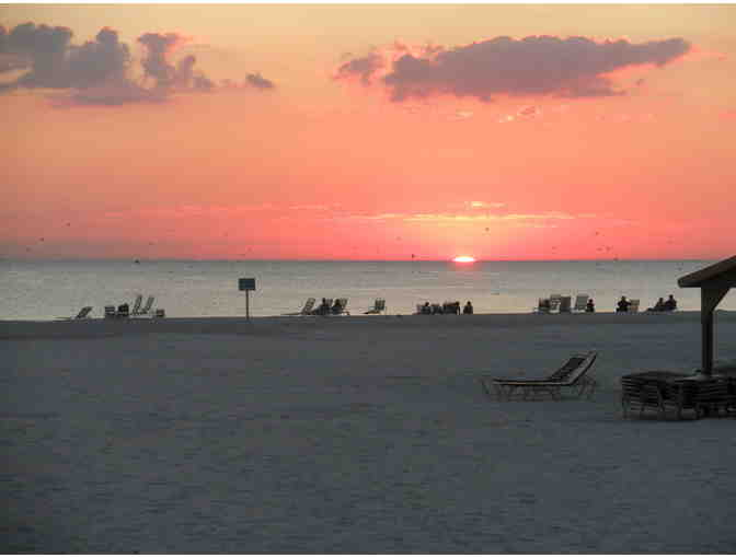 One week stay, two bedroom condo, beach Siesta Key (Sarasota)_, FL