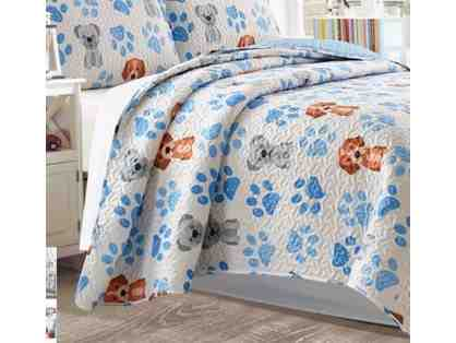 White and Blue Paw Print Quilt Full/Queen
