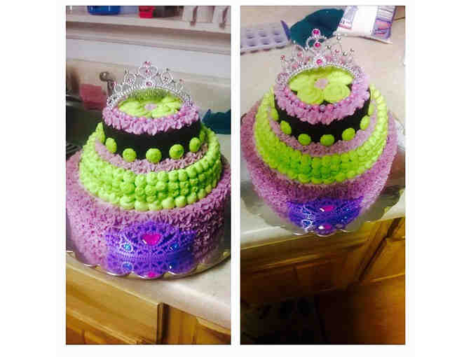 Tess Lee Snipes | 3 layer max decorated cake