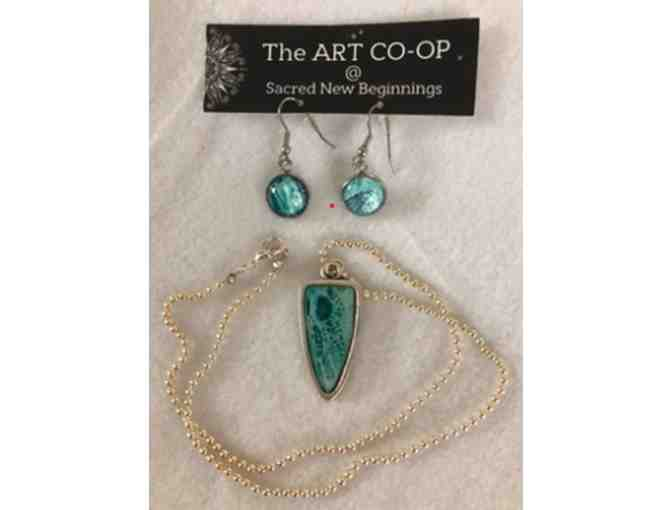 Pendant and earring set from Artist Nancy Bariluk-Smith