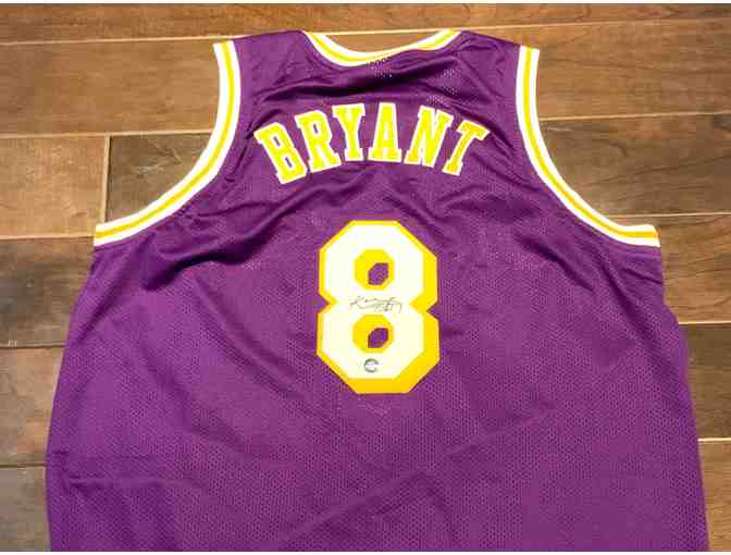 Autographed Kobe Bryant Los Angeles Lakers Basketball Jersey