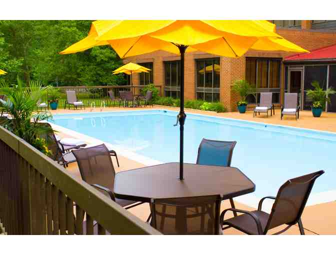 Getaway to Williamsburg (2 night stay) Wyndham Garden Hotel
