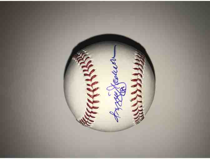 Autograph Baseball of New York Yankees Reggie Jackson