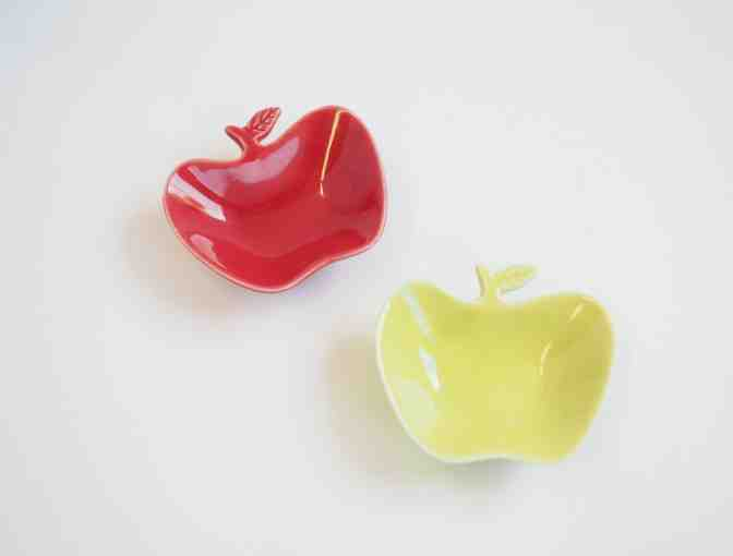 Kotobuki Green and Red Apple Plates