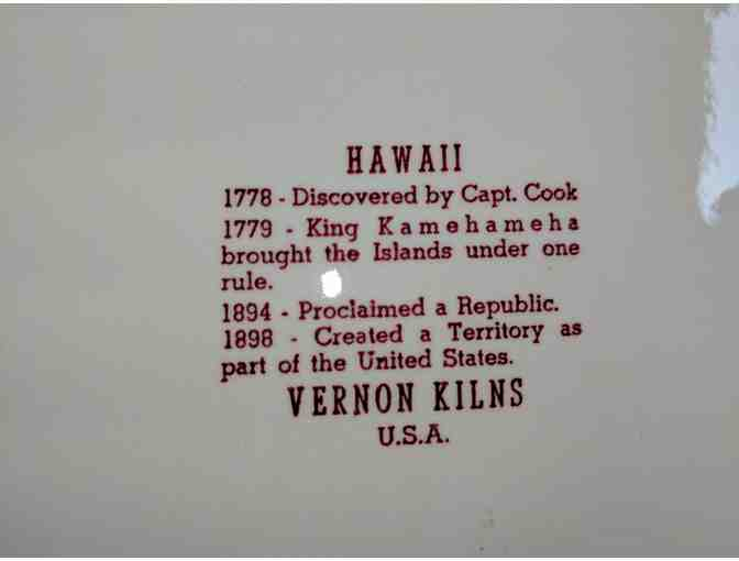 4 Highly Collectible Hawaii Plates