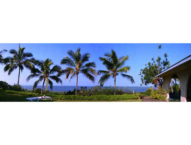 2 Nights at the Kona Bayview Inn Bed & Breakfast