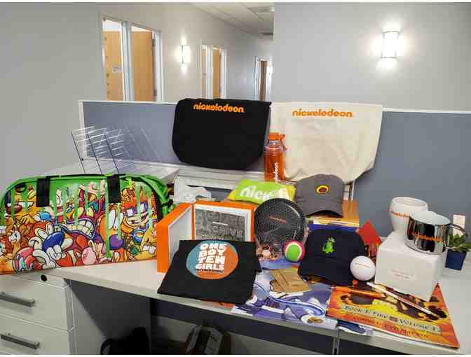 Nickelodeon VIP Tour for 8 / Swag Bag - Photo 3