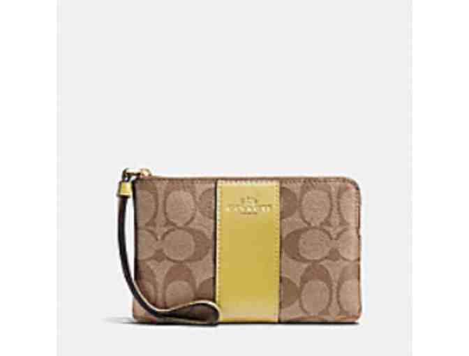 Coach wristlet- The perfect mobile device holder - Photo 1