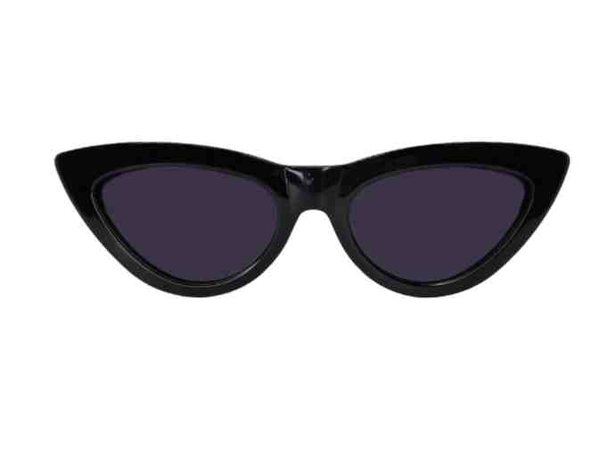 Fetch 'Grace' Sunglasses - Photo 1