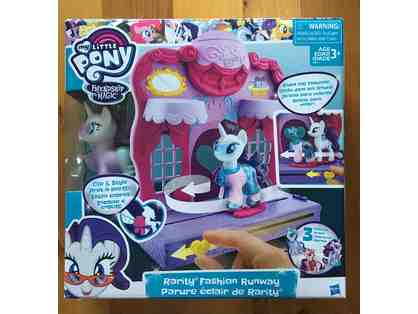 003. LITTLE PONY - friendship and magic!