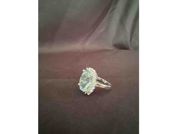 Vintage Ladies Aquamarine and Diamond Ring