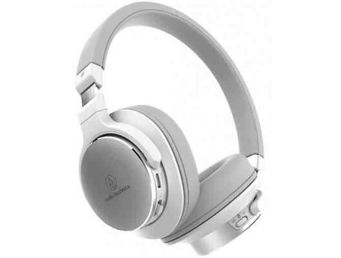 WHITE/GREY BLUE TOOTH AUDIO-TECHNICA WIRELESS ON-EAR HIGH RESOLUTION HEADPHONES