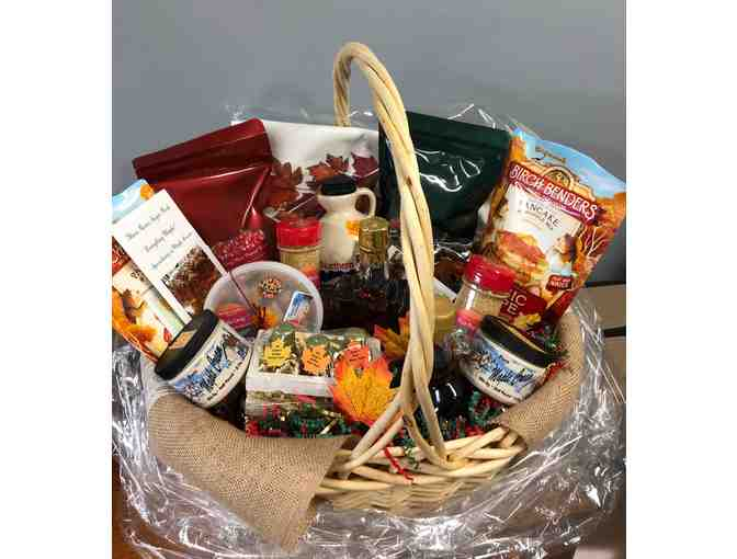 Maple Gift Basket - courtesy Three Rivers Sugar Bush