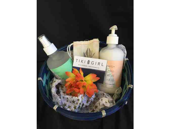 $25 Gift Certificate to Tiki Girl with Lotion - Photo 1