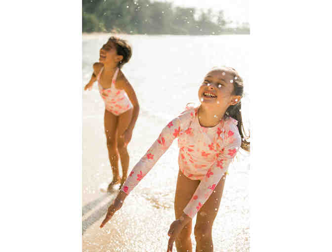 Eco-Friendly Chloe Rashguard Top for Girls - Photo 3