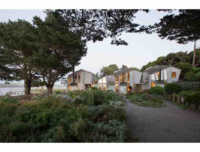 Two Nights for 2 at Dancing Coyote Beach Cottages and Point Reyes Geology Field Trip for 6