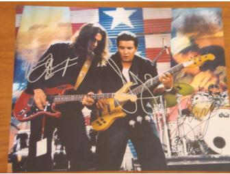 Los Lonely Boys- 2 Tickets at Bethel Woods SOLD OUT show -10/23/10 plus AUTOGRAPHED photo!