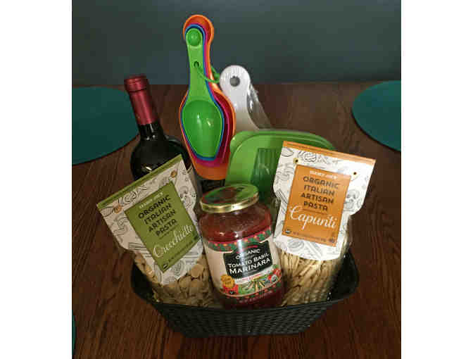 Kitchen Starter Basket with Italian Cuisine