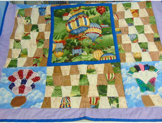 "32"" x 32"" Hot Air Balloon Quilt - Photo 1"