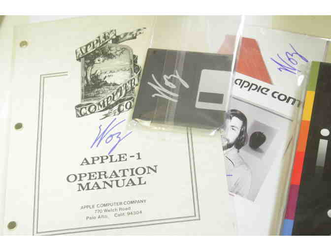 Take A Bite Out Of Apple: STEVE WOZNIAK SIGNED Memorabilia