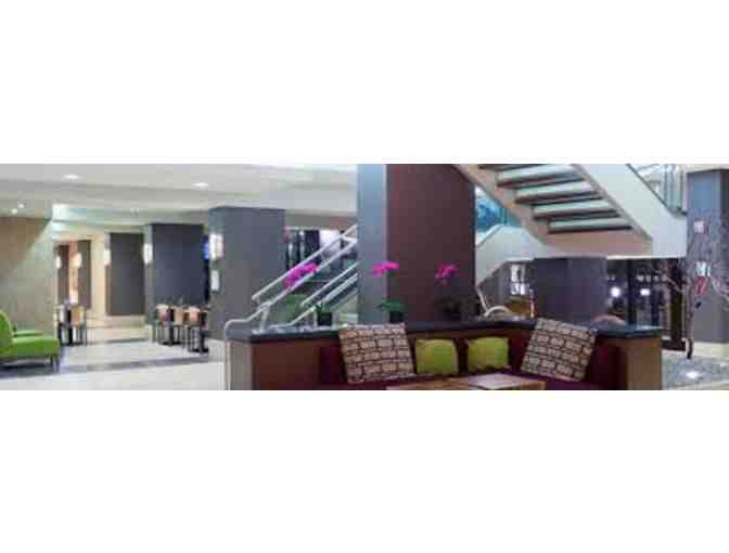 1 Night Stay at The Holiday Inn Secaucus with Breakfast for 2 & 4 NJ State Fair Tickets - Photo 3