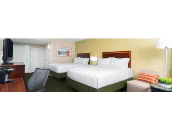 1 Night Stay at Holiday Inn Secaucus with Breakfast for 2 & $40 GC to Al Di La Restaurant - Photo 4
