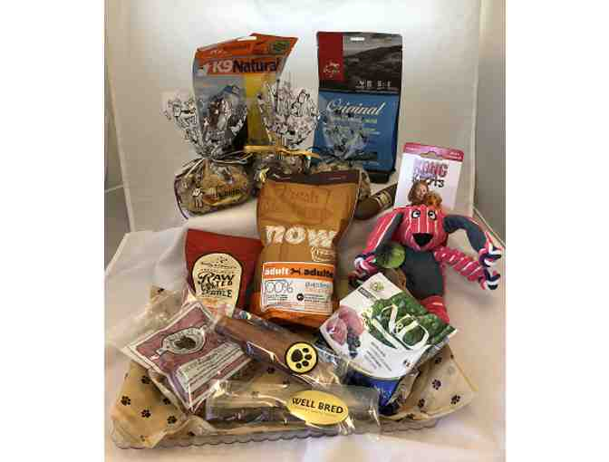Well Bred Gift Pack of Treats, Toys and Food