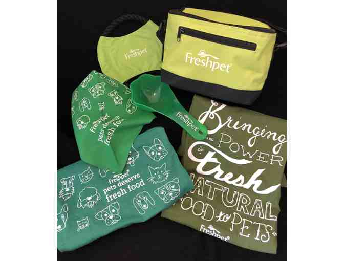 Freshpet Insulated Lunch Bag and Assorted Swag