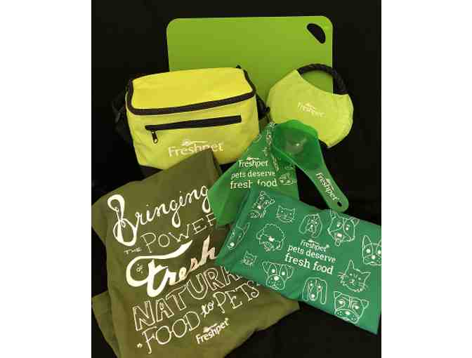 Freshpet Insulated Lunch Bag, Cutting Mat and Assorted Swag