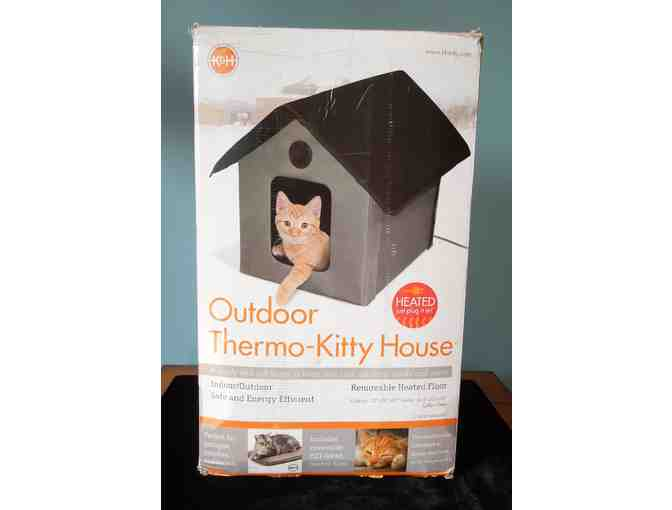 K&H Outdoor Kitty House  Heated/Unheated, 2 Exits - Donated by a Friend of the Shelter