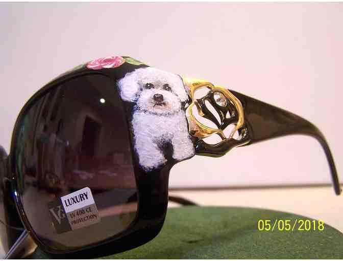 Hand Painted Bichon crystal sunglasses - Photo 2