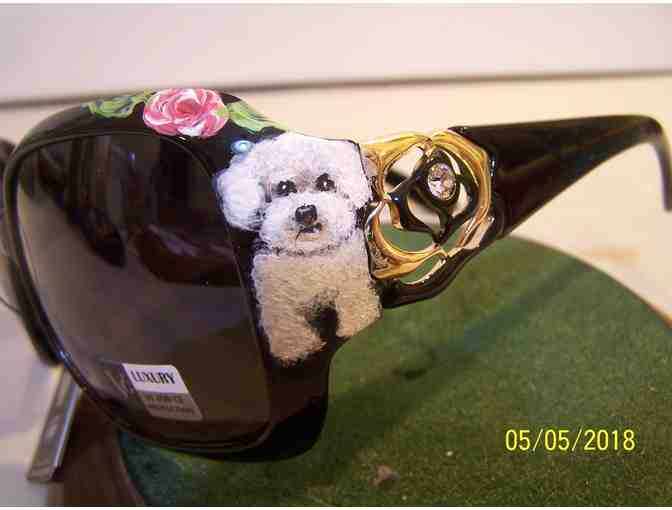 Hand Painted Bichon crystal sunglasses - Photo 3