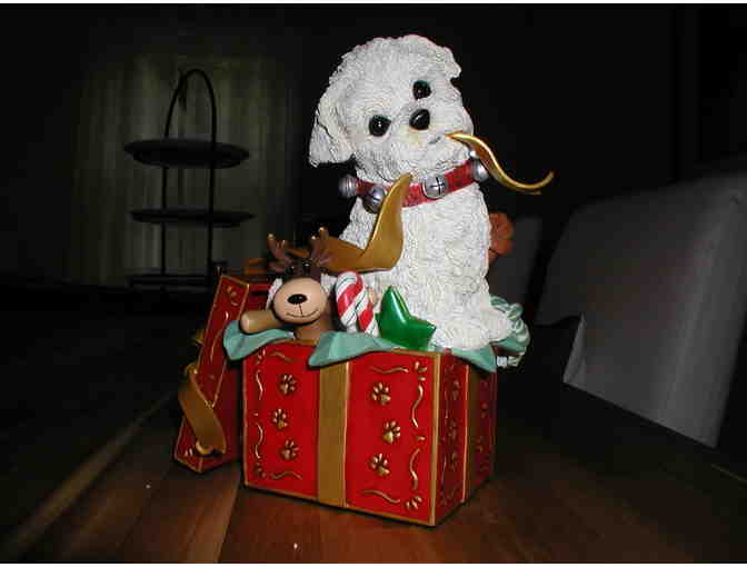 Danbury Mint - Puppies First Christmas - Large sculpture