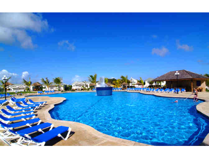 Verandah Resort and Spa (Antigua): 7 to 9 nights luxury for up 3 rooms (Code: 1221)