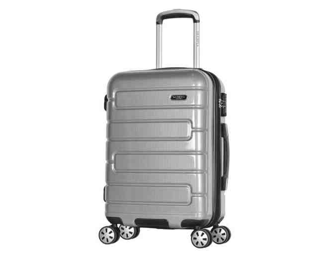 Olympia Nema 22' Carry-On Silver