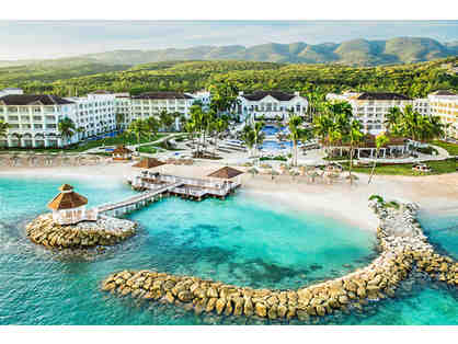 Jamaica's Rhythms and Refreshing Ocean Spray, Montego Bay