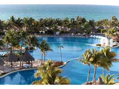 Exquisite Vacation to the Mayan Palace Resort