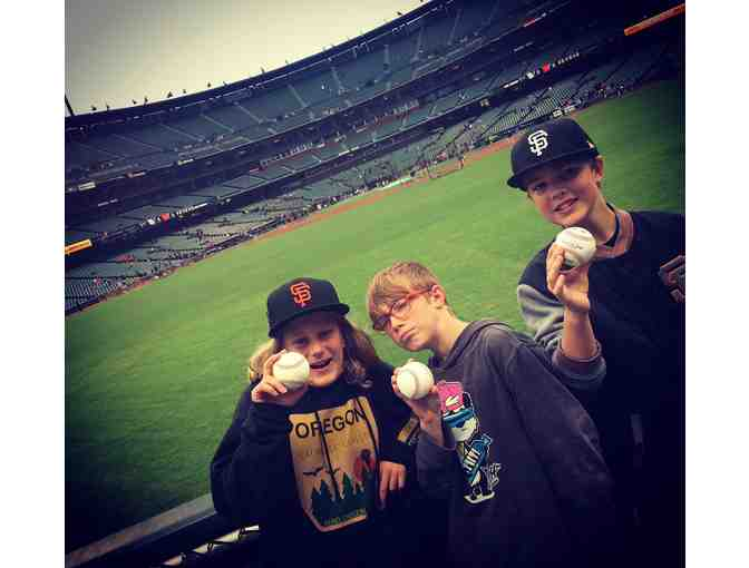 Go to a Giants Game with Dominic & Sam!