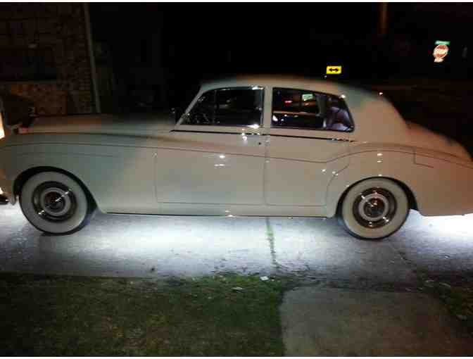 4 hour Rental in a 1965 Rolls Royce Silver Cloud with chauffeur (Greater New Orleans area)