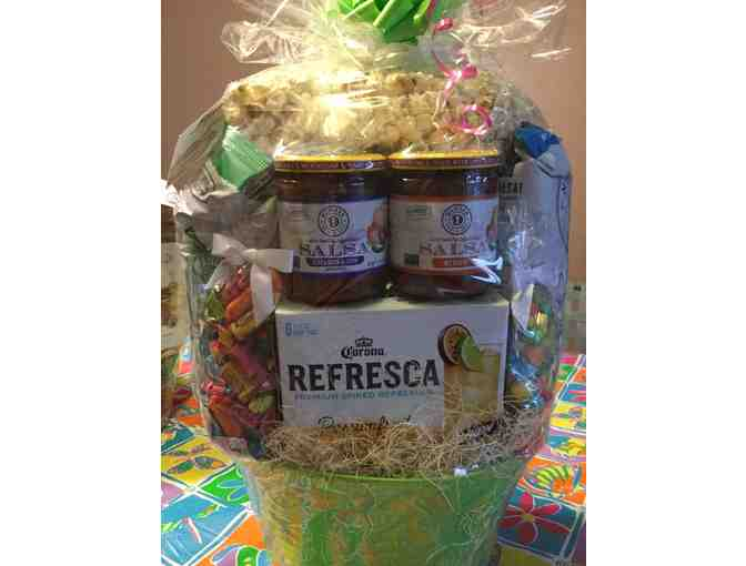 Assorted Food Gift Basket from Mann Orchards