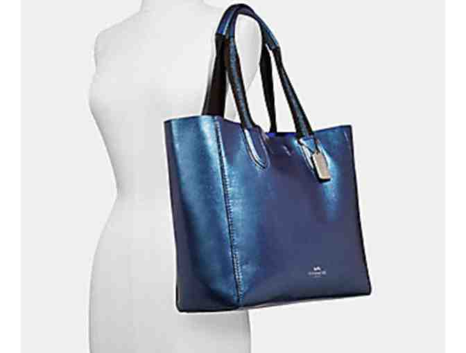 COACH LARGE DERBY TOTE IN METALLIC PEBBLE LEATHER - Photo 2