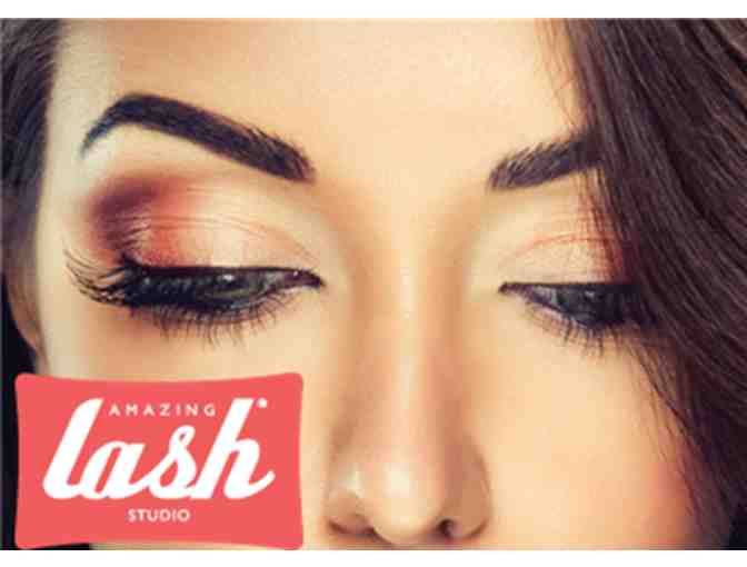 Complimentary Full Set of Lashes
